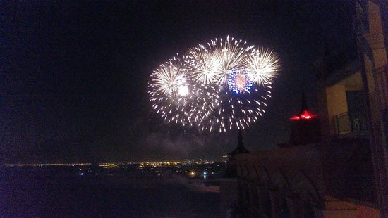 Atlantis, The Palm: Fireworks display from private function