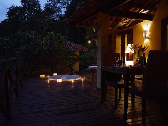 Pestana Angra Hotel: at night