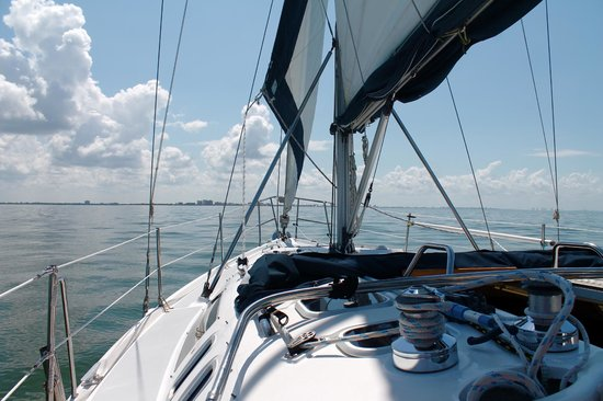 Magic Wind Adventure Sailing: Relaxing on the Star