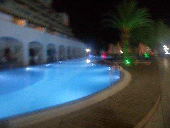 Batihan Beach Resort & Spa: PISCINE!