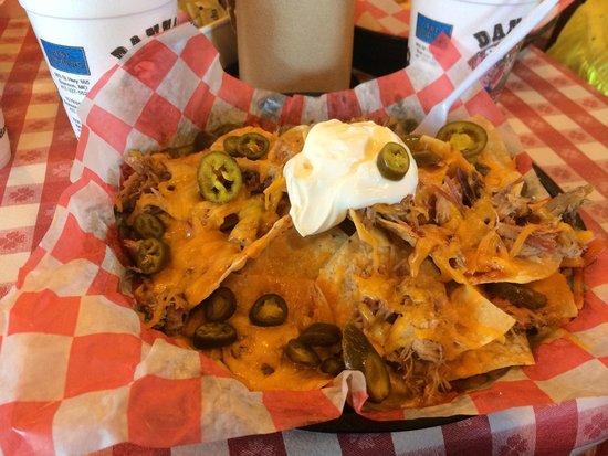 Danna's Barbeque & Burger Shop: Yummmmm BBQ nachos!