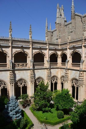Monasterio de San Juan de los Reyes: Jardim