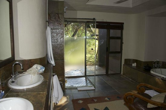 Sabi Sabi Bush Lodge : bathroom