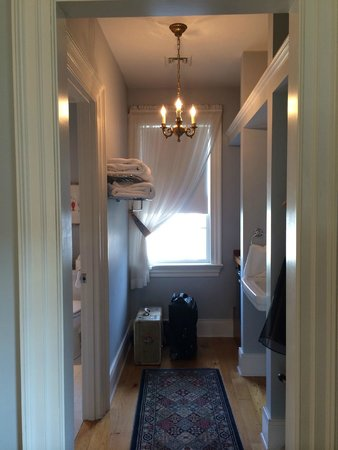 Compass Rose Inn : Room 3 Hallway to private bath with towel warmer, mini fridge, 2nd sink