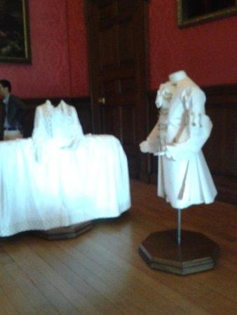 Kensington Palace: Algunas vestidos