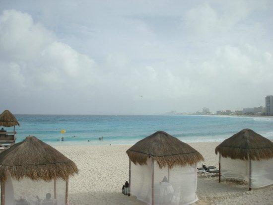Krystal Grand Punta Cancun: praia muito bonita e calma