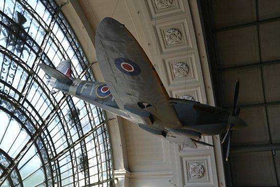 Musée Royal de l'Armée (Koninklijk Legermuseum): Le Spit de la verrière seconde guerre mondiale