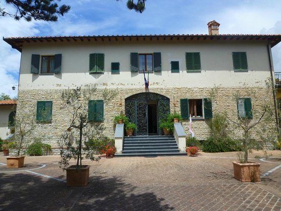 Villa Sant'Uberto Country Inn: Front view