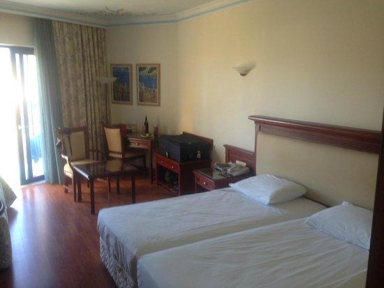 Atrium Palace Thalasso Spa Resort & Villas: camera