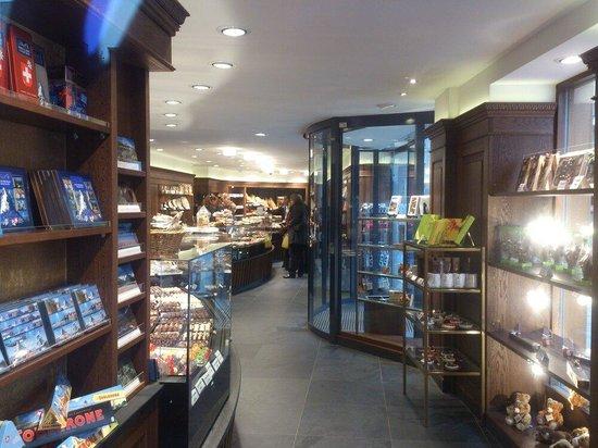 Cafe Hanselmann: St. Moritz - Hanselmann - chocolate shop