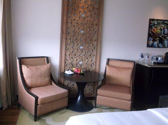 Millennium Hilton Bangkok: room2