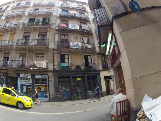 Tour Barcelona: some dwellers' desires