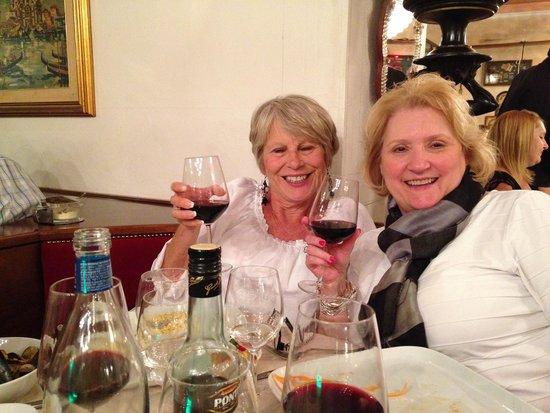 La Nuova Grotta : Our ladies before dinner