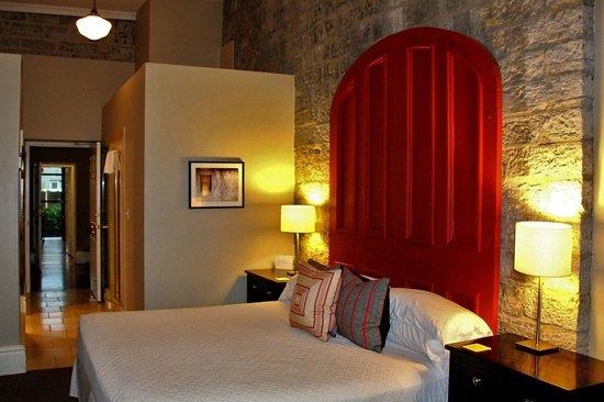 Frontenac Club Inn : Stone Room - Room #16