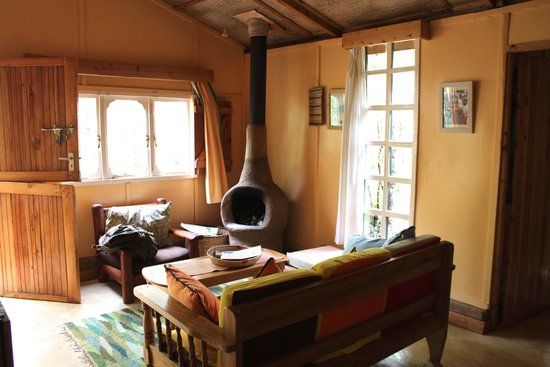 Colobus Cottages: living room