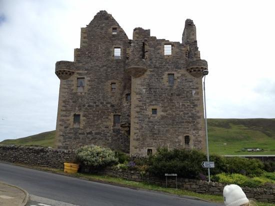 Scalloway Castle: the Castle