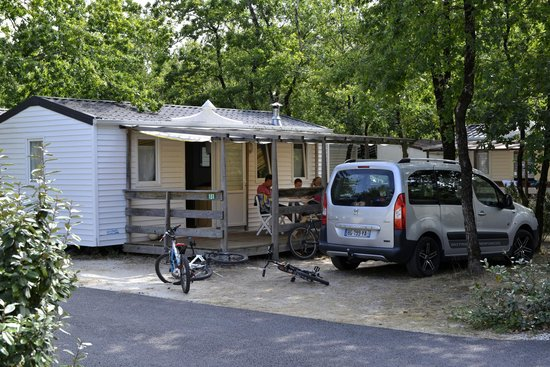 Camping Les Lacs : Mobil-Home 5