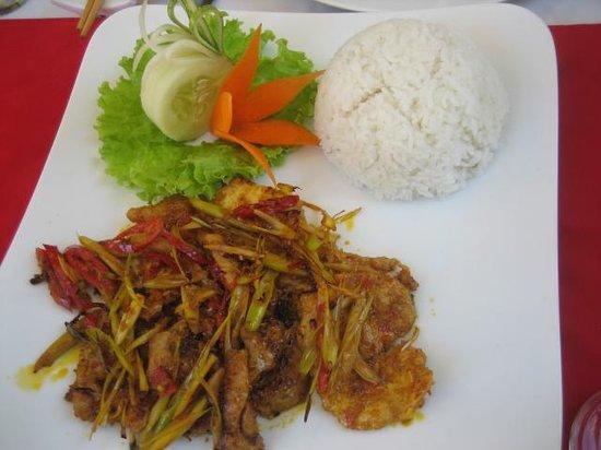 Les Jardins de La Carambole: plato de ensalada