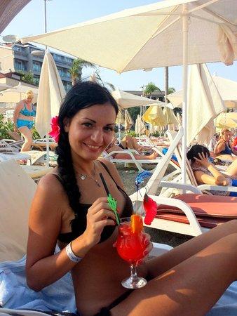 Blue Bay Platinum Hotel: Пляж BluBay и очень вкусный коктейль Секс на пляже ($)