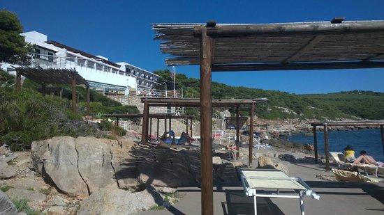 El Faro Hotel: Petites paillasses aménagées en bord de mer