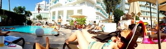 Blue Bay Platinum Hotel: Бассейн