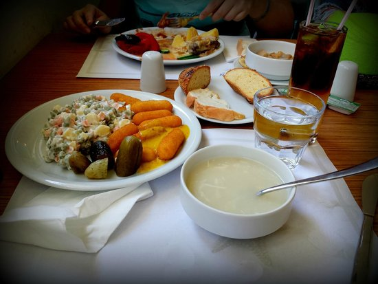 Blue Bay Platinum Hotel: Обед