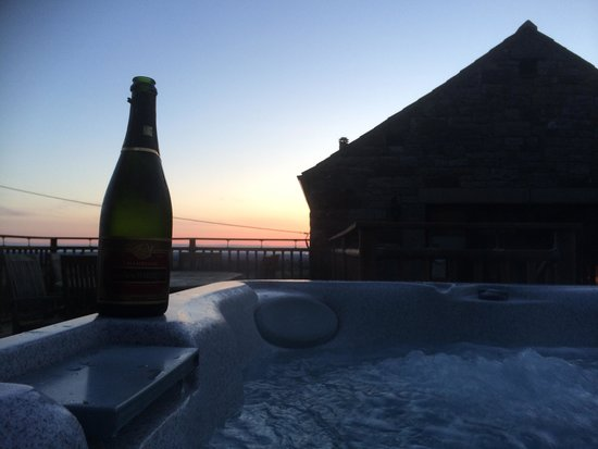 Tottergill Farm Holiday Cottages: What a lovely way to spend our honeymoon in mill barn x