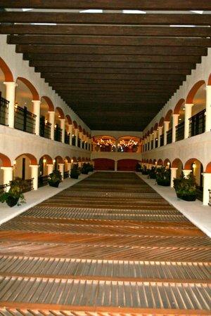 Secrets Capri Riviera Cancun: View of guest rooms