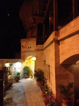 Divan Cave House: Entrance Divan cave hotel