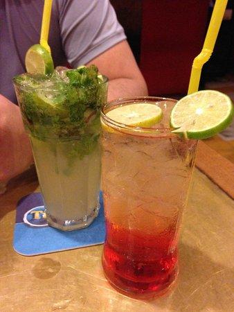 Le Tigre de Papier: mojito and campari soda
