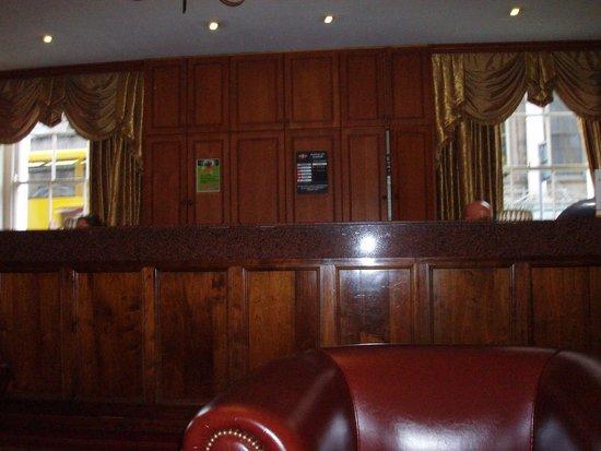 Cassidys Hotel: Reception