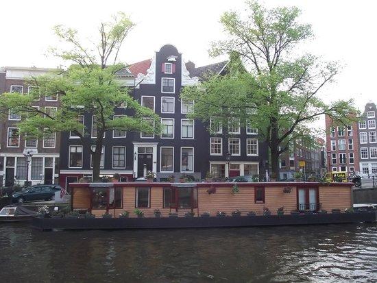 Jordaan : Casa barco no Prinsengrach.