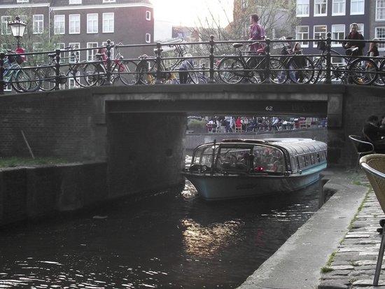 Jordaan: Ponte sobre o Egelantiersgracht.