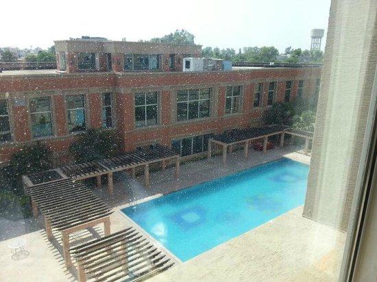 NIRVANA Hotel Banquets Club: pool
