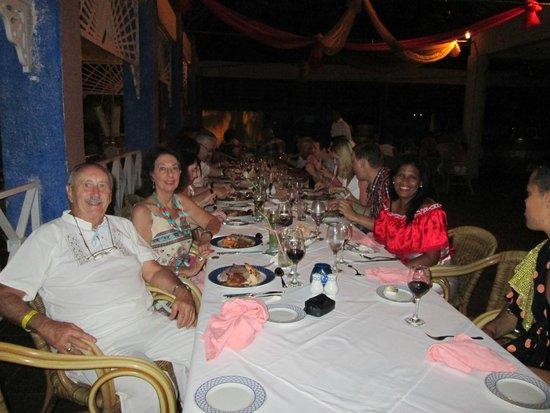 Melia Las Americas: Cena ofrecida por el Director Sr.Bernard a los repitentes.-