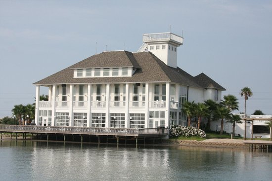 Handsome Sailor Yacht Club: Mansion by the Sea