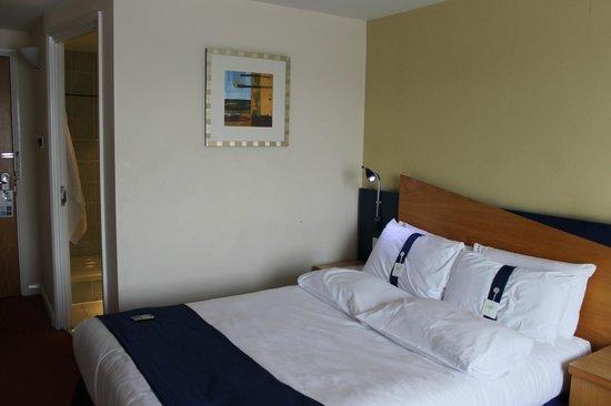 Holiday Inn Express Bradford City Centre: a very good bed!