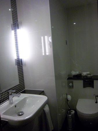 Grange Wellington Hotel : il bagno