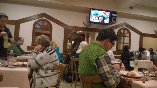 Hotel Cambria : comedor en el subsuelo