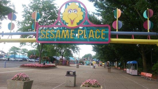 Sesame Place: entrance