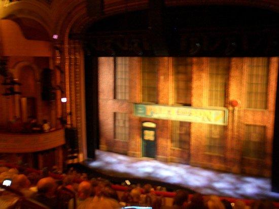 Kinky Boots on Broadway: ボケボケですが開演前です