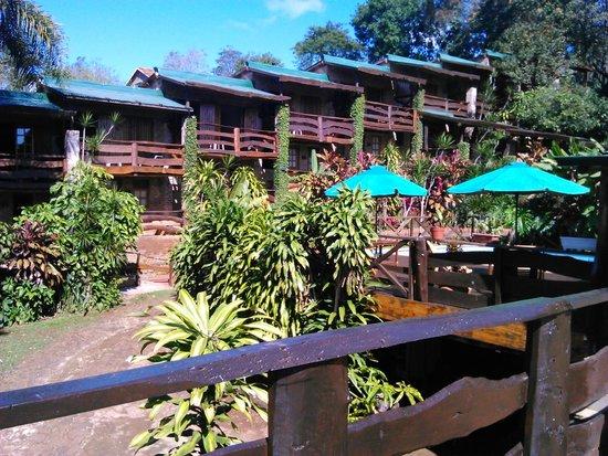 Jasy Hotel : vista de las cabañas