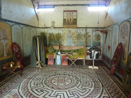 Butser Ancient Farm: Inside the Roman villa