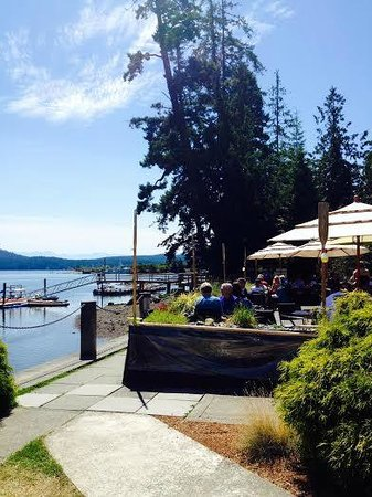 Stickleback West Coast Eatery : The view of the patio