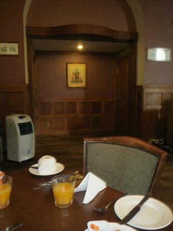 Golden Lion Hotel: 1