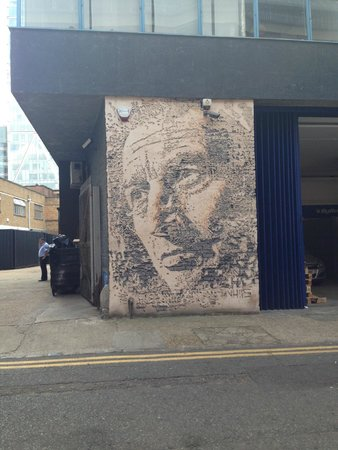 Liquid History Tours: Street Art