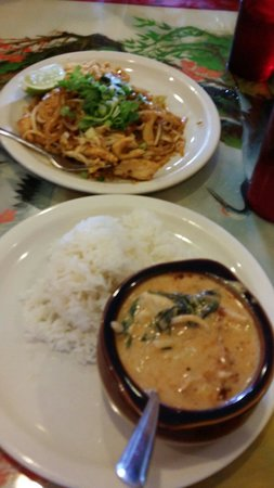 Spice Thai Cuisine: Pad Thai and Curry