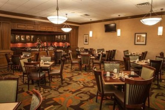 Decatur Conference Center and Hotel: Fireside Grill