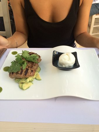 M-eating: Souzoukakia with yogurt icecream