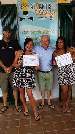 Atlantis Diving Lanzarote: remise des diplômes 2eme baptêmes